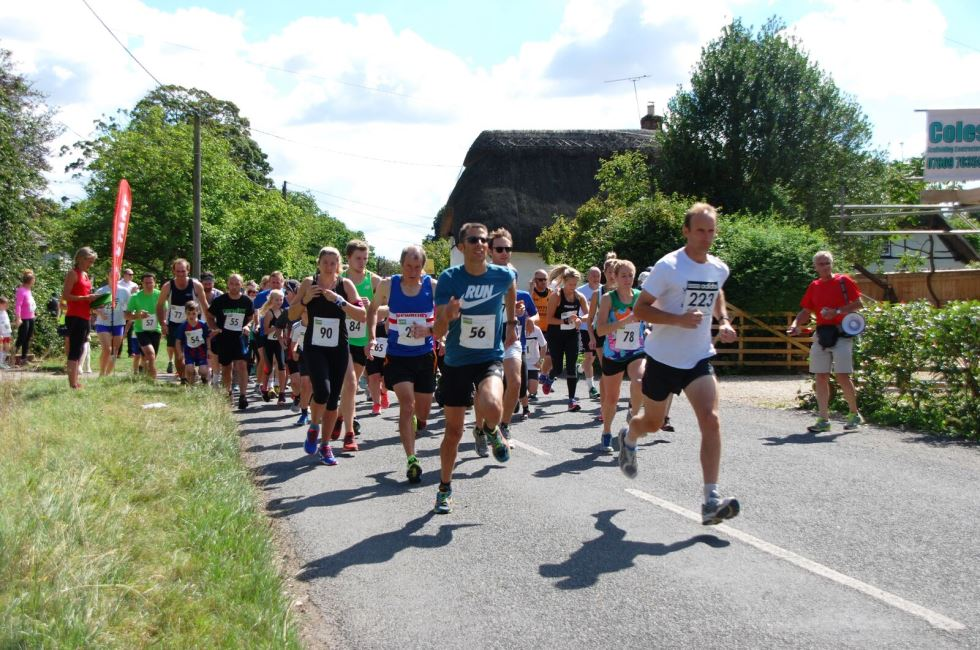 Appleshaw Fete Runners