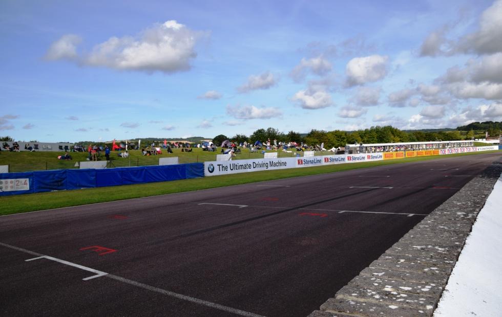 Thruxton Race Circuit – Start Grid