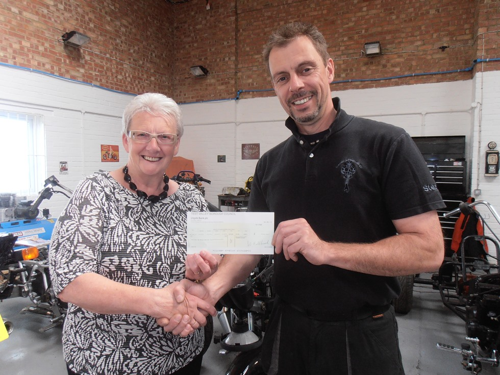 TVBC – Councillor Andersen presents grant to Forces Re-Engineered