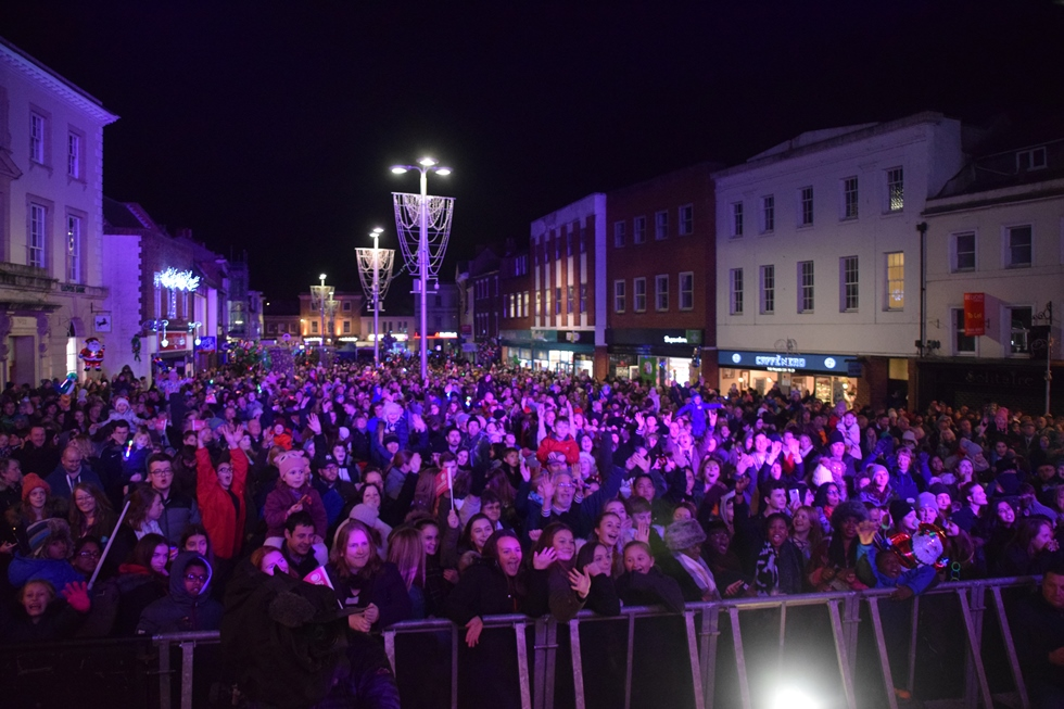 Andover Christmas Lights Switch on 2017 – 08