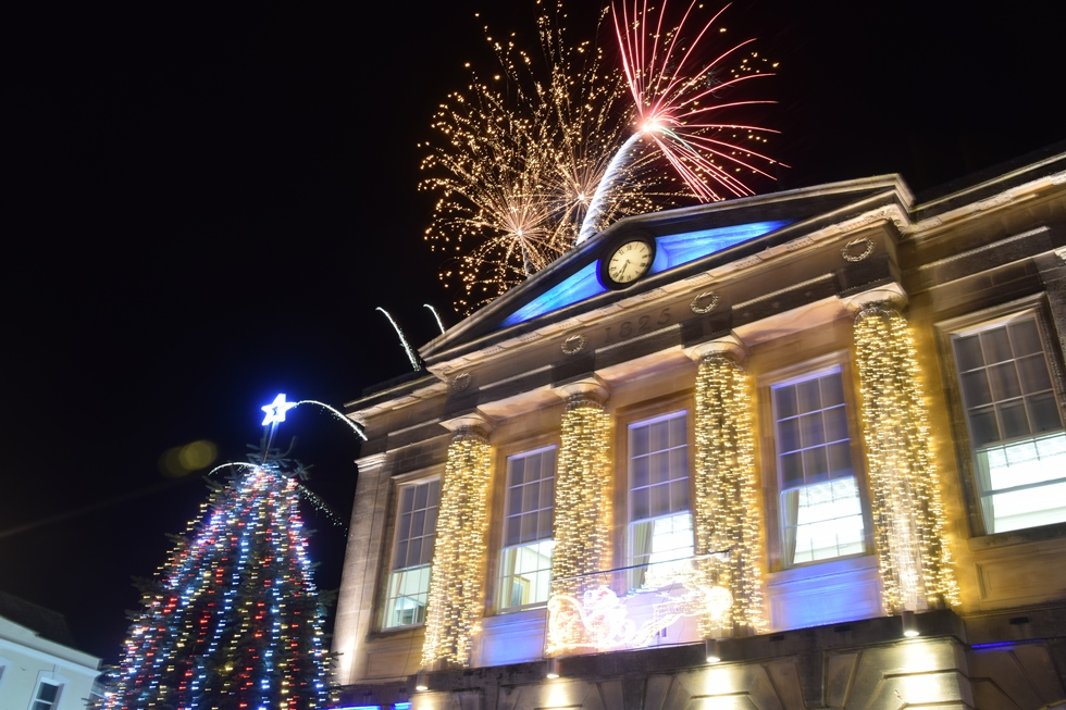 andover christmas lights switch on fills the high street love andover - Christmas Light Switch