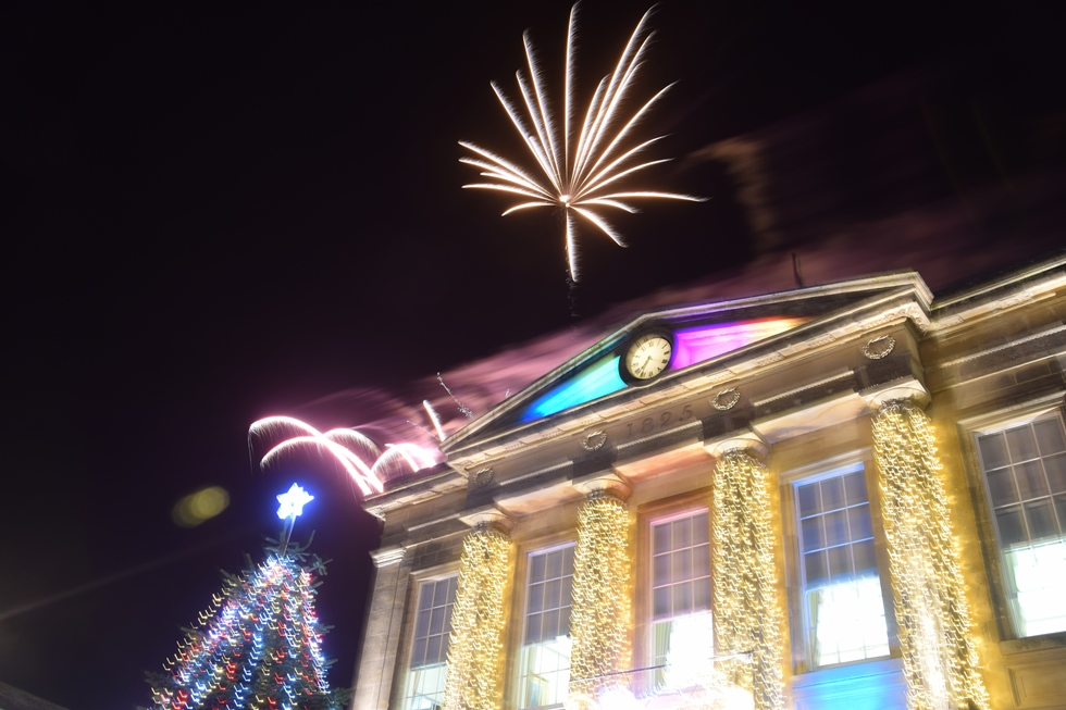 Andover Christmas Lights Switch on 2017 – 16