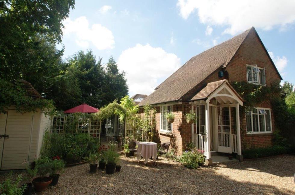 2 bedroom semi-detached house to rent Salisbury Road, Andover