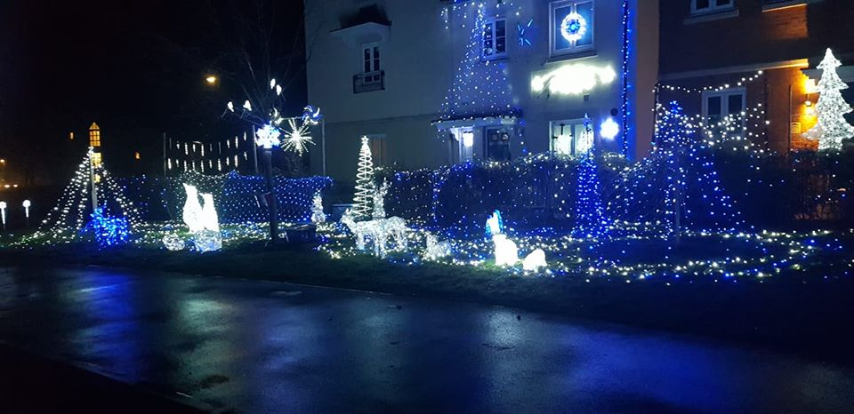 picket twenty christmas lights 2019