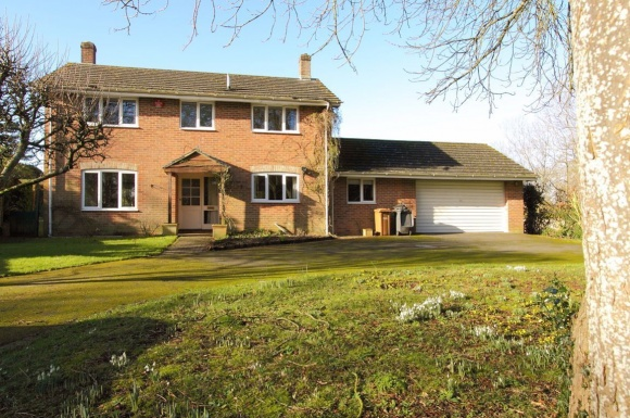 4 Bedroom Detached House For Sale – Ludgershall – Offer In Excess Of £325,000
