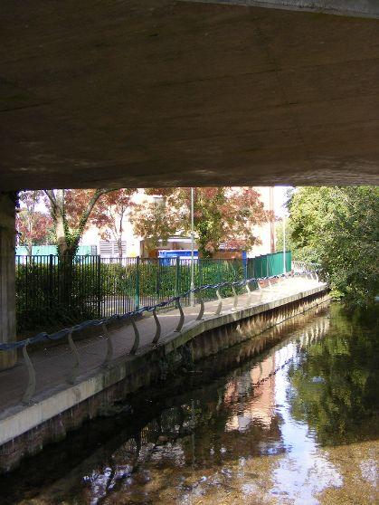 River-Anton-22.9.11.Andover-Town-centre.Hard-Bank.2