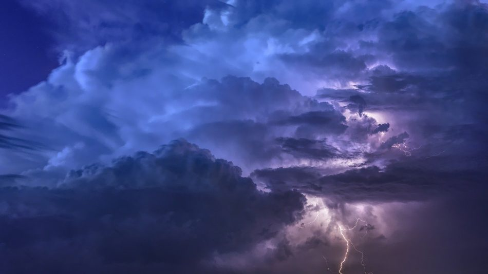 thunderstorm-3441687_1280